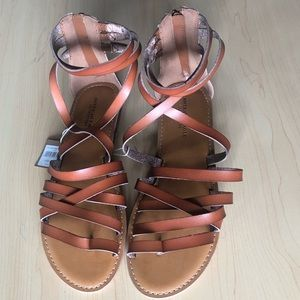 American Eagle strappy gladiator style sandals
